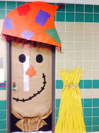 fall scarecrow door teaching thanksgiving
