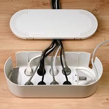 fabriquer un sous de bureau 15 idées pour cacher et ranger vos câbles fils et prises électriques