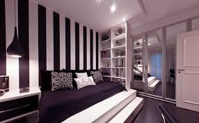 wallpaper dinding kamar pria kamar tidur dengan desain dinding garis garis rancangan desain