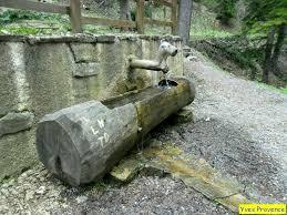 fontaine de jardin jardiland la fontaine de l u0027ours près de l u0027abbaye de boscodon hautes alpes