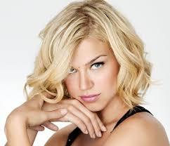 medium short hairstyle for wavy hair women medium haircut