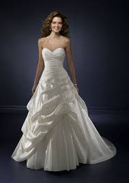 inexpensive wedding gowns beauty on a budget wedding dresses 500 bravobride