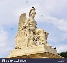 siege de nike statue der siegesgöttin nike auf der brücke alexandre iii