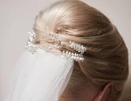 Hochsteckfrisurenen Hochzeit Mit Diadem Und Schleier by Brautfrisuren Für Mittellanges Haar Hochzeit Com