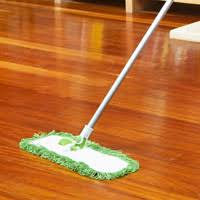 best way to clean laminate wood floors before applying