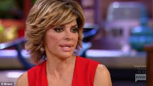 lisa rinna weight off middle section hair lisa rinna bonds with lisa vanderpump on rhobh reunion daily