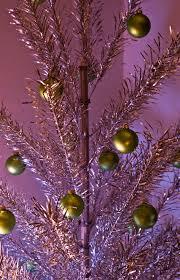 aluminum christmas tree file sapphire regal aluminum christmas tree jpg wikimedia