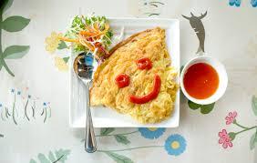 cuisine thailandaise traditionnelle délicieuse cuisine thaïlandaise traditionnelle omelette aux œufs