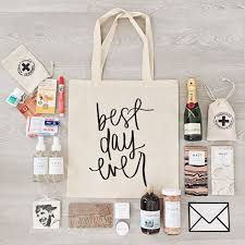 wedding guest gifts wedding wednesday what we put in our wedding welcome bags gift