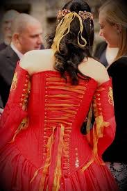 is wearing a red wedding dress a good idea misfit wedding