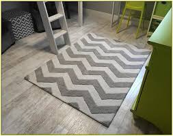 Black And White Zig Zag Rug Grey Chevron Bath Rug Roselawnlutheran