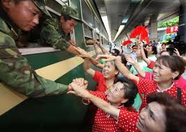 bid farewell locals bid farewell to withdrawing troops english sina