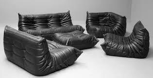 canapé style togo set de canapés togo en cuir noir par michel ducaroy pour ligne roset