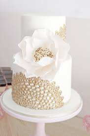 16 gorgoues monochromatic wedding cake designs gold dessert