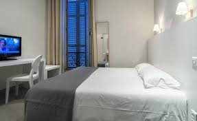 location chambre hotel economic and comfortable rooms at the hotel plm cannes