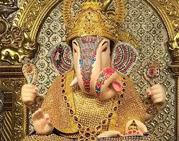 gold and ornaments of dagdusheth ganpati never seen before