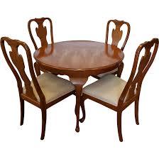 1990s carleton oak drexel heritage queen anne round dining room