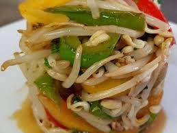 comment cuisiner les pousses de soja recettes de pousses de soja et poivrons