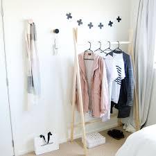 pose vetement pour chambre portant vêtements à faire soi même côté maison