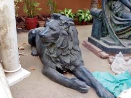 lion statues mohatta palace refuses to return zoo s lion statues the express