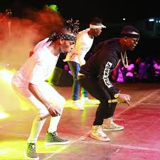 diamond platnumz harmonize ft diamond platnumz u2013 bado live performance at wasafi