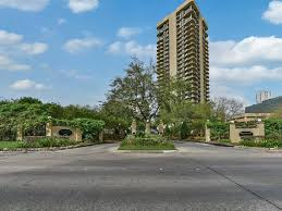 Homes For Sale In Houston Texas 77056 Houston Townhouses Condos For Sale 200k 400k Houston Tx Homes