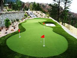 Artificial Grass Backyard by Mini Golf In The Backyard Thanks To Synthetic Grass Turf For
