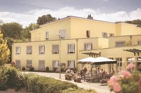 Bad Oeynhausen Reha Sven Tokarski Berät Sie Rund Ums Thema Pflegeimmobilien