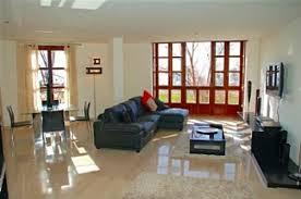 Wohnzimmer Und Esszimmer Farblich Trennen Funvit Com Wohnzimmer Rot Weiß Grau