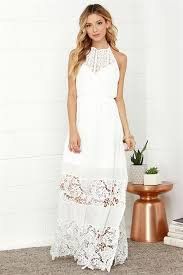 what do brides wear at the wedding shower everafterguide