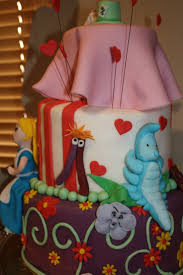 Alice In Wonderland Home Decor Unique Than Ever 23 Best Alice Cake Ideas Images On Pinterest Wonderland Party