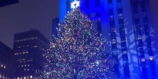 the rockefeller center tree lights up