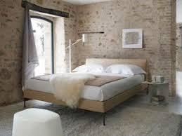 chambre de charme avec une chambre pleine de charme avec des murs en par carnet deco