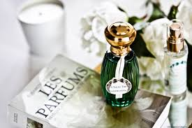 Le Journal Du Parfum The 25 Best Olfactif Ideas On Pinterest Sillage Parfum Yves