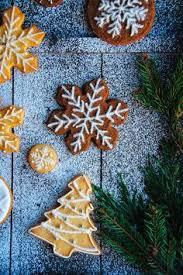 christmas gingerbread and sugar cookies hint of vanilla hint