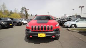 jeep cherokee trailhawk red 2017 jeep cherokee trailhawk 4x4 firecracker red clear coat