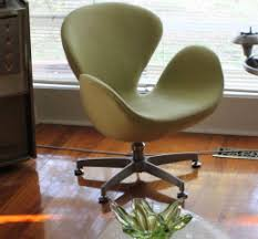 Martel Upholstery Jacobsen Swan Chair Dilemma Still Searching For Answers