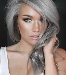 coupe cheveux gris 20 photos qui prouvent que les cheveux gris donnent du charme