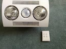 3 In 1 Bathroom Light Clipsal 6600a Fan Light Heater Unit 3 In 1 2x275w White