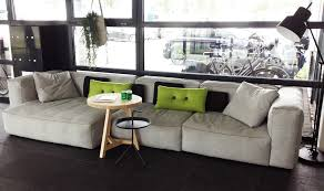 showroom canapé hay mags sofa bank in onze showroom interior