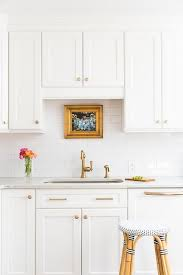 what hardware for white kitchen cabinets white shaker kitchen cabinets with gold hardware