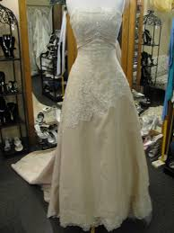 Clearance Wedding Dresses 36 Best Clearance Wedding Gowns Images On Pinterest Bodice