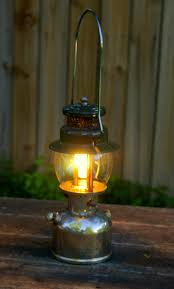 lighting a coleman lantern coleman 242c pressure lantern made in 1948 the woods life