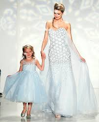 elsa wedding dress the frozen elsa wedding dress is here and it s a must see