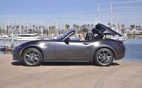 voiture de luxe mazda mx 5 rf 2017 quand mazda offre une petite voiture de luxe
