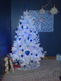 decorating white trees color scheme blue and silver