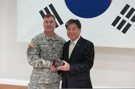 Banister International File Dongducheon Mayor Oh Sea Chang Presents U S Army Col Tracy