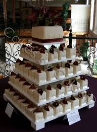 square cupcakes 8 square wedding cake with cupcakes on top photo small square