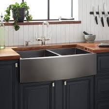 what color cabinets look with black stainless steel appliances 33 atlas bowl stainless steel farmhouse sink curved apron gunmetal black