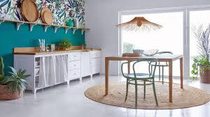 papier peint pour salon salle a manger urban jungle quand la déco se met au vert murs et merveilles